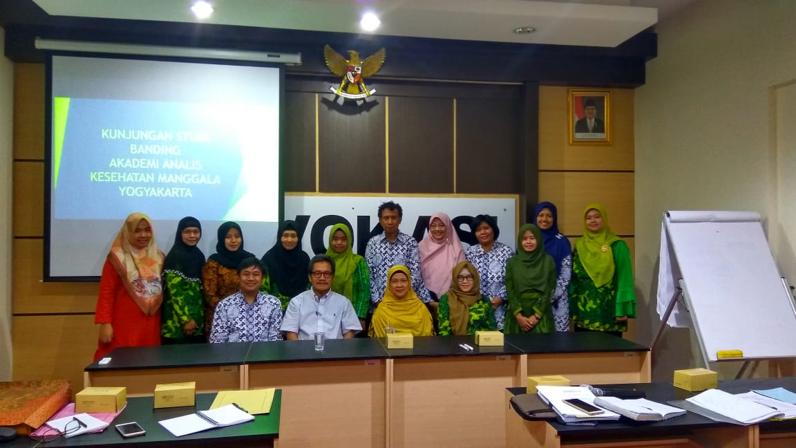 Kunjungan Lapangan AAK Manggala di Fakultas Vokasi Universitas Airlangga Surabaya 2018