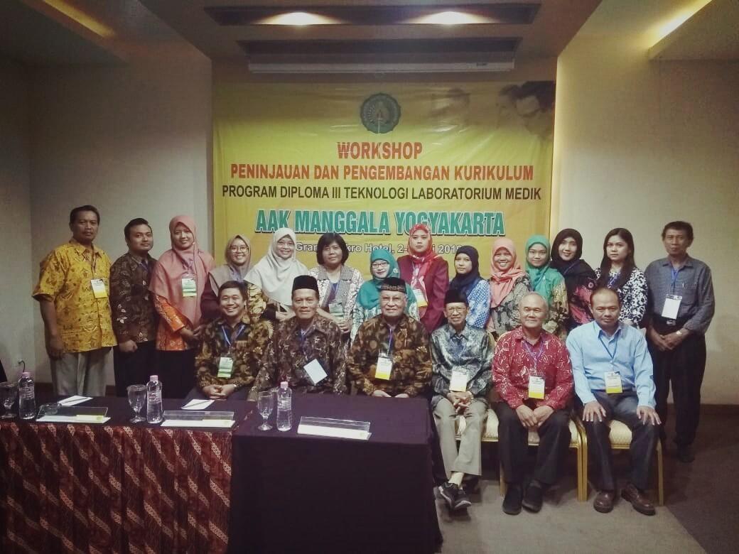 Workshop Peninjauan dan Pengembangan Kurikulum Program Studi DIII Teknologi Laboratorium Medik